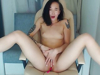 Sexy asian cam beauty spanks and cums tenderly
